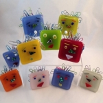fused-glass-paper-clip-guys-2